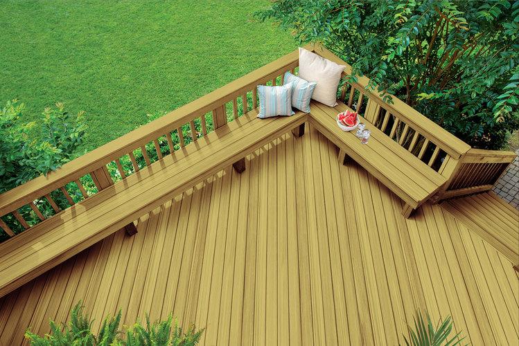 Terrasse en bois traité sous pression non décapé – opaque